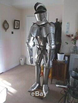 Reproduction Medieval Knight Suit of Armour with Stand
